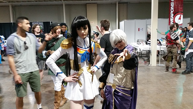 Anime_North_2014_-_Saturday_-_Satsuki_Kiryuin_(Kill_la_Kill)_and_Henry_(Fire_Emblem_Awakening)_Pic_2